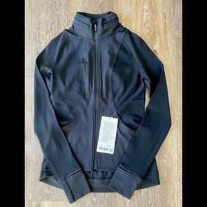 NWT Lululemon Fast & Free Size 6 in Black